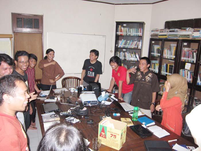 Pelatihan Riset dan Menulis Etnografi Desantara